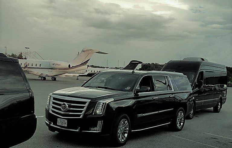 Black Cadillac Escalade Limo Services For Airport Transfer